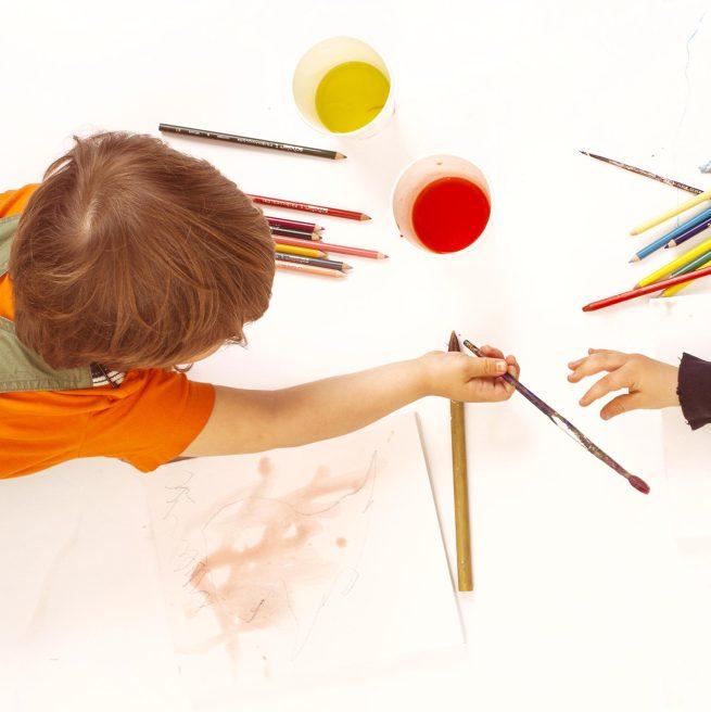 Дете художник